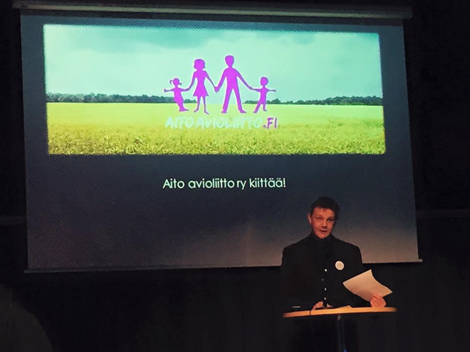 Juhlan juonsi Harri Saastamoinen, joka kiitti yhdistysväkeä ja vapaaehtoisia yhteisestä panoksesta kampanjan hyväksi.